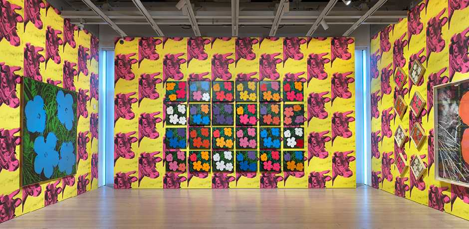 Installation view of Andy Warhol – From A to B and Back Again (Whitney Museum of American Art, New York, November 12, 2018-March 31, 2019). Flowers [Large Flowers], 1964-65. Photograph by Ron Amstutz. © 2018 The Andy Warhol Foundation for the Visual Arts, Inc. / Licensed by Artists Rights Society (ARS), New York.