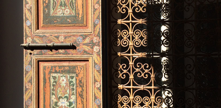 Vibrant door in the chaotic streets of Marrakech