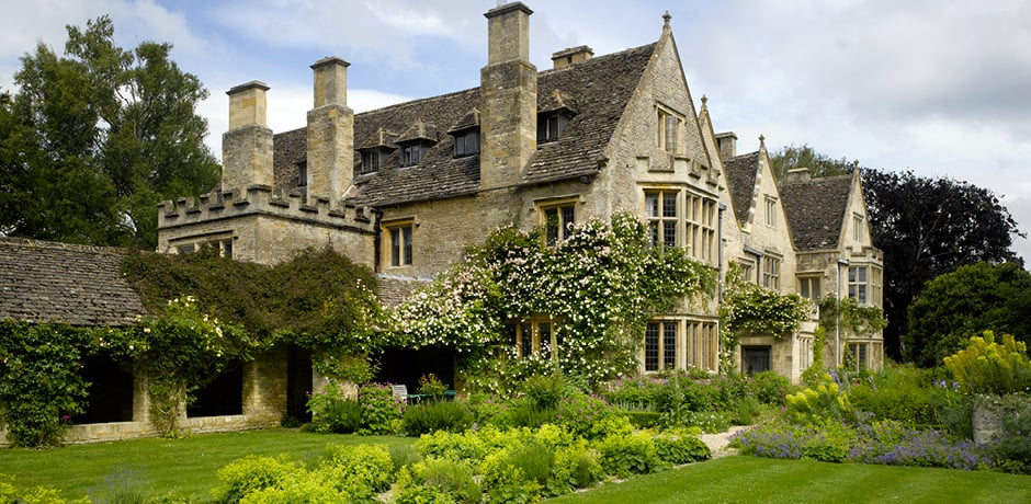 A view of Asthall Manor, one of the beautiful country estates that will be visited on the upcoming Insider Journey to England with Architectural Digest. Courtesy Annabel Brooks.