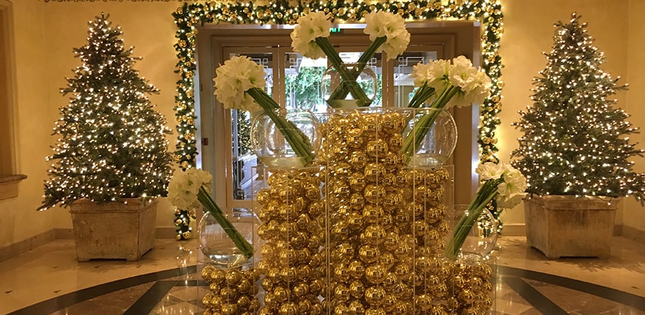 Beautiful entrance decorated for the holidays at the Four Seasons in Beverly Hills