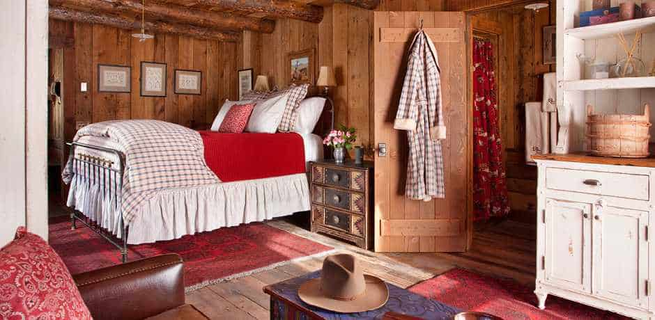 A cozy room brings holiday cheer at the Ranch at Rock Creek, Montana. Courtesy the Ranch at Rock Creek.