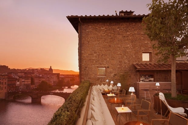 Terrrace Restaurant on rooftop at Continentale in lorence, Italy