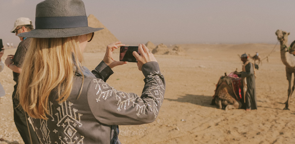 Indagare founder Melissa Biggs Bradley on a camel excursion on the inaugural Insider Journey to see the pyramids.