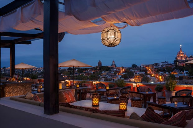 The Luna rooftop bar and restaurant at the Rosewood