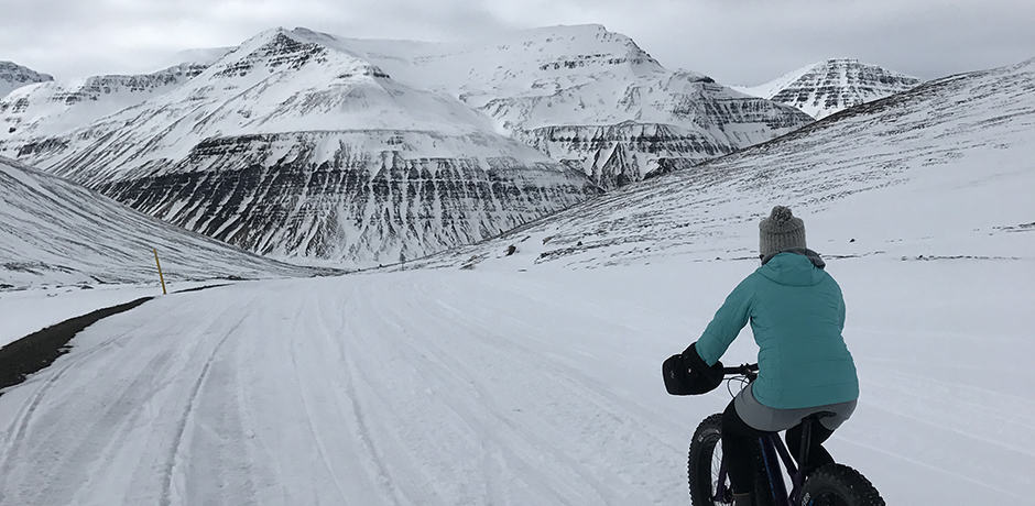 Fat-biking along the road that leads to Deplar.