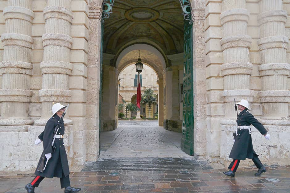 Changing of the guards, Valletta