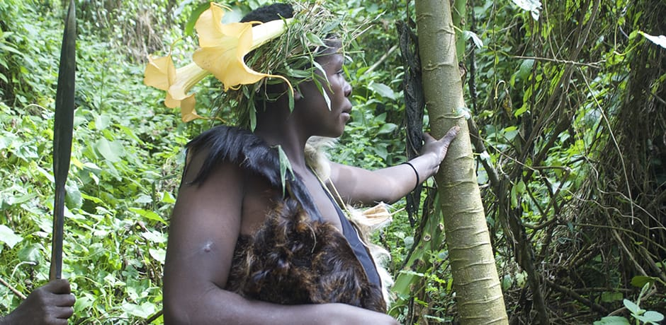 The Twa people lead tours in the forest to explain their traditions and medicinal plant knowledge, which includes remedies that prevent miscarriage, cause immediate vomiting in the event of poison ingestion and alleviate allergies and respiratory ailments.