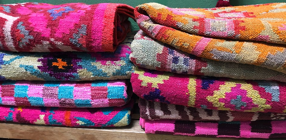 Folk traditions and vibrant colors are some of the hallmarks of Peruvian style.