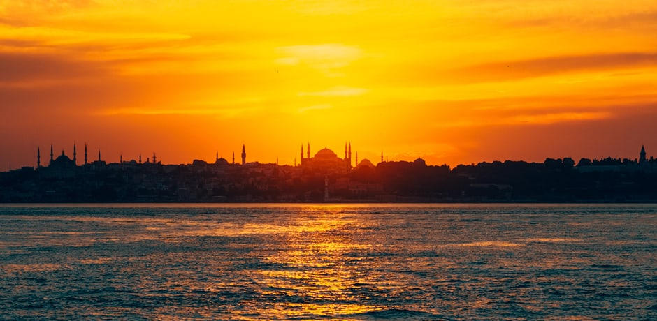 The AD x Indagare Insider Journey to Istanbul this October will include cruising down the Bosphorus aboard a private yacht, accompanied by local insiders who will welcome the group into their waterfront mansions.