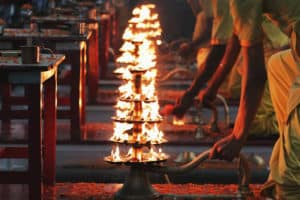 Indagare Tours: Evening Ganges Aarti Ceremony