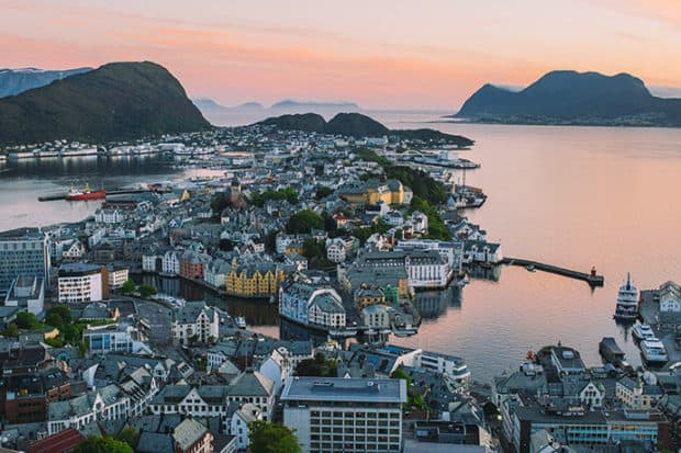 visitnorway-aksla-viewpoint-alesund-norway-40667971